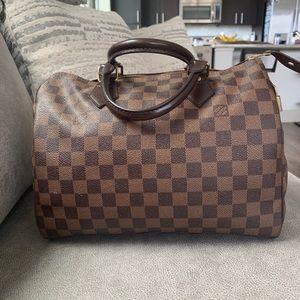Good condition, Speedy Louis Vuitton bag.